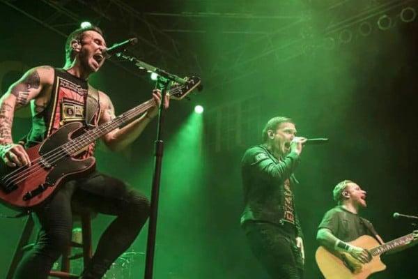 Shinedown's Eric Bass Exits Tour