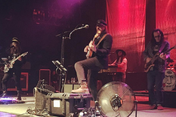 Claypool Lennon Delirium with Geddy Lee: Tomorrow Never Knows