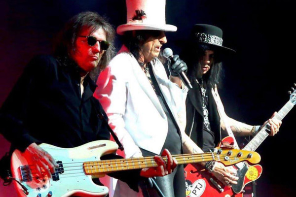 """Bass Transcription: Dennis Dunaway's Bass Line on """"No More Mr Nice Guy"""" by Alice Cooper"""