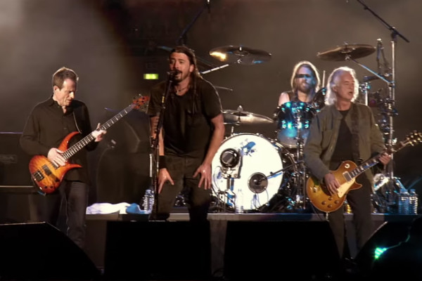 Foo Fighters: Ramble On (Live with John Paul Jones and Jimmy Page)