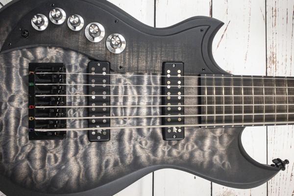 Bass of the Week: Dunable Guitars Joe Lester's Cyclops 6-String Bass