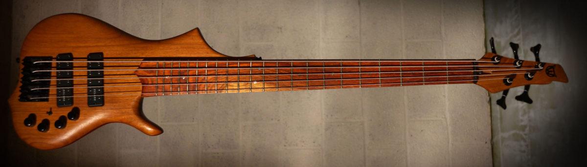 Elwray Basses Amani 5 Bass