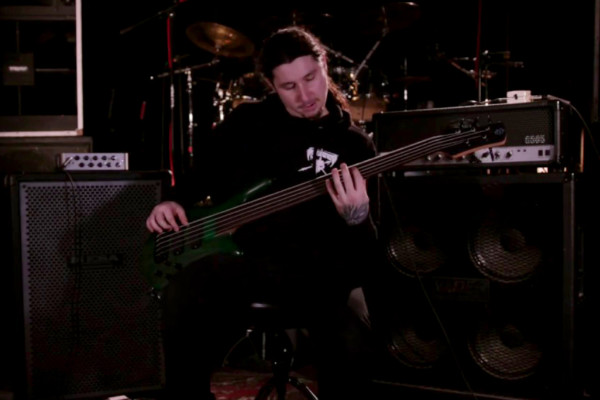 """Olivier Pinard: Akurion's """"Wallow In Magnificient Pity"""" Bass Playthrough"""