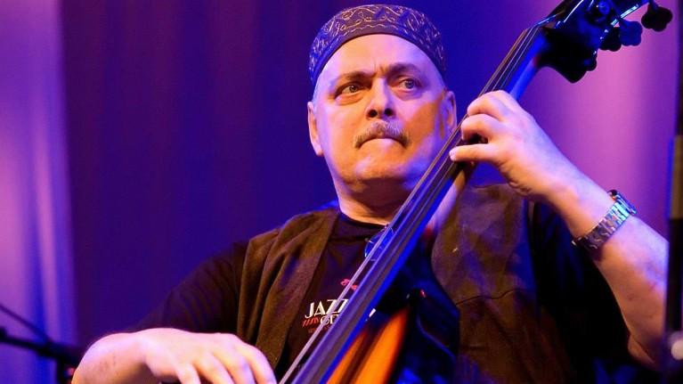 Andy González