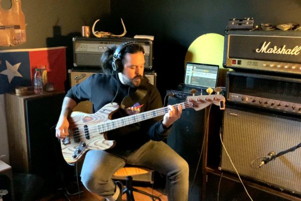 "Video Premiere: Bruno Segovia's Bass Playthrough of Irist's ""Order of the Mind"""