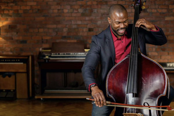 """Joseph Conyers Launches """"Orchestra Chops"""" Course on Discover Double Bass"""