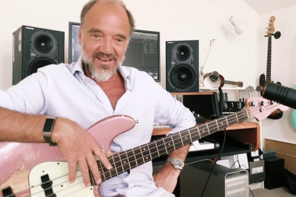 "Guy Pratt's Lockdown Licks: Pink Floyd's ""Money"" Solo and ""One of These Days"""