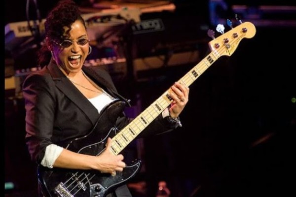 Bass Players To Know: Rhonda Smith