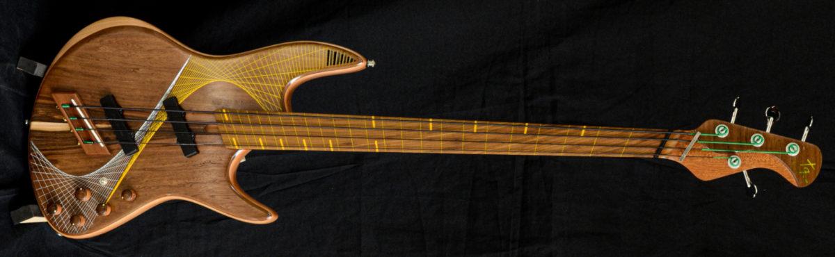 Tangente Domino Fretless Bass