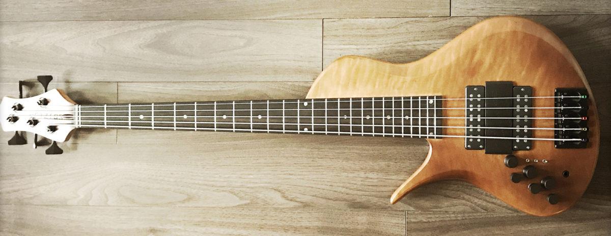 Erizias Basses SingleCut Custom 5 Bass
