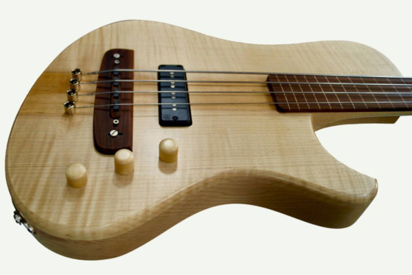 Bass of the Week: Kristall Basses ROOM 4