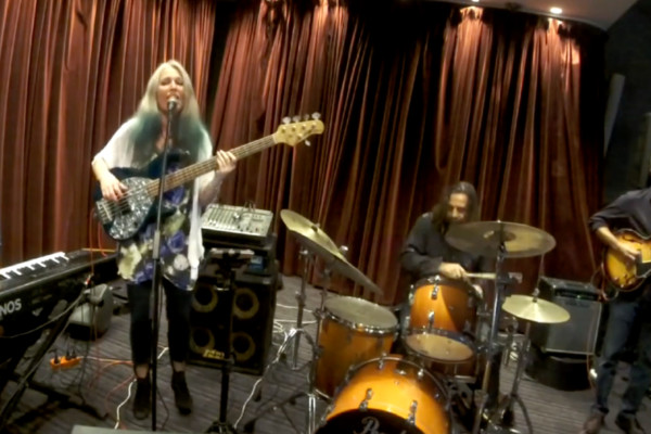 Rebecca Johnson Band: I Keep Forgettin'