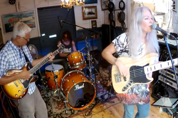 Rebecca Johnson Band: Don't Change Horses (In The Middle Of A Stream)