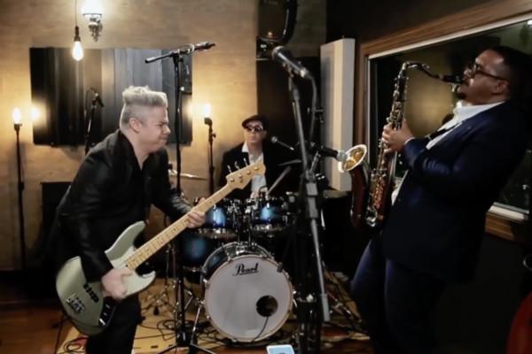 Blues Beatles: Bass Solo + Sax Solo