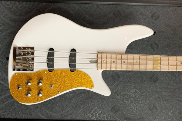 Felton Guitars and Kevin Scott Announce the King Bass