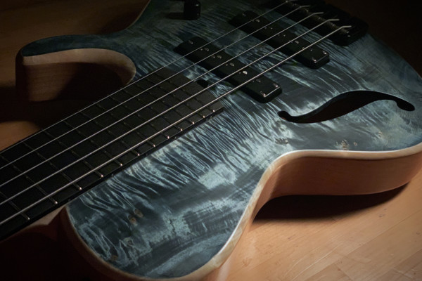 Bass of the Week: Nishgaki Guitars Tempesta 5 Indigo Blue