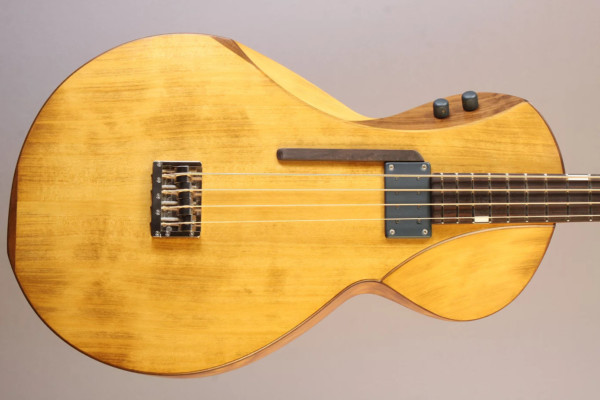 Bass of the Week: Andre Instruments Maya 3