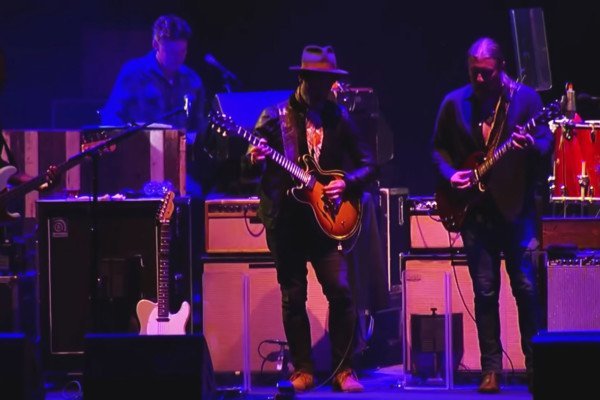 Tedeschi Trucks Band: Nobody Knows You When You're Down And Out (Live)