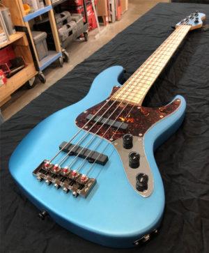 Brubaker Guitars JXB-USA Standard Bass Lake Placid Blue