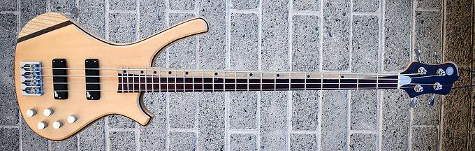 Nichols Guitar Company Dylan Bass