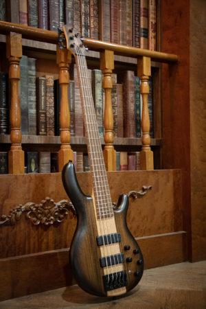 Cort Artisan C5 Plus OVMH Bass