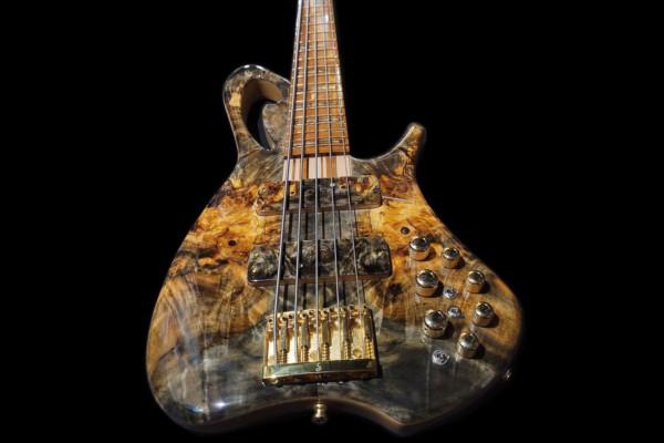 Bass of the Week: Elegee Custom Guitars The Enchantress