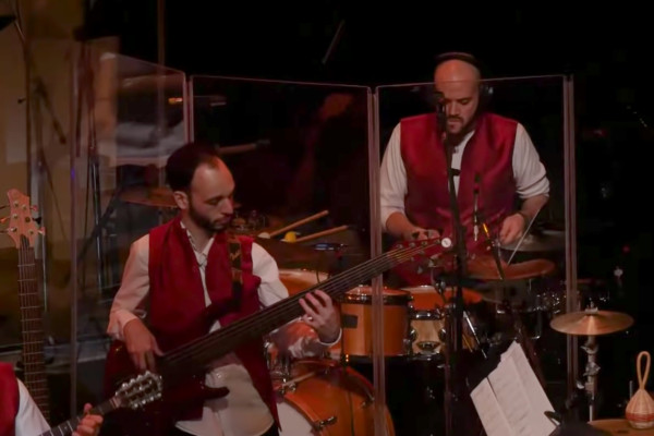 Berklee Indian Ensemble ft Shankar Mahadevan: Tandanu (Indian Ocean)