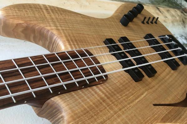 Bass of the Week: De Gier Guitars Custom Bebop