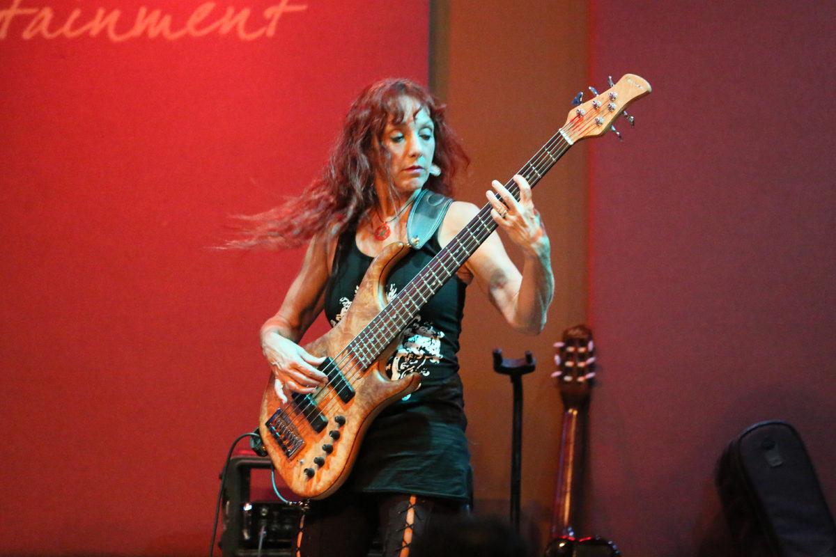 Liza Carbe