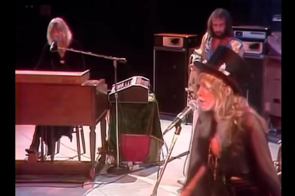 Fleetwood Mac: Over My Head (Live)