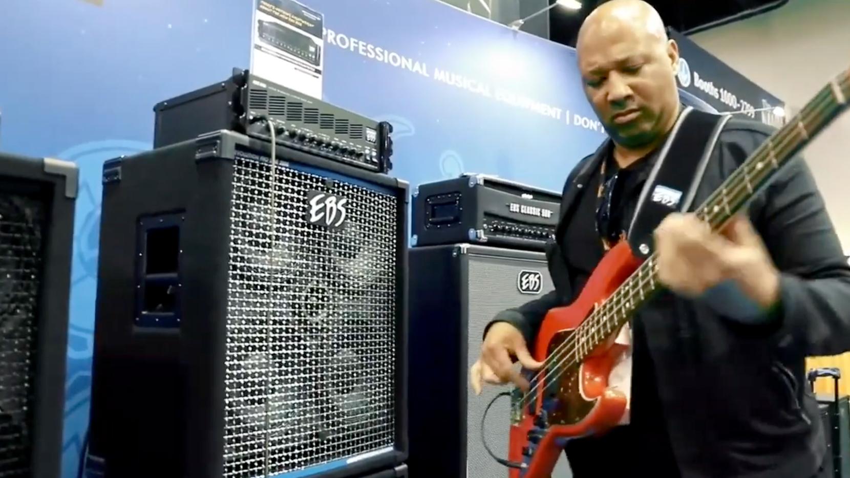 Alex Al: Bass Solo